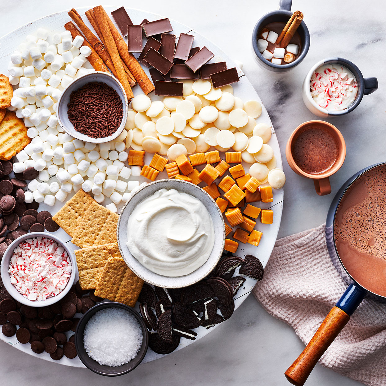 """Hot Cocoa """"Charcuterie"""" Boards Are Our Favorite New Holiday Trend"""